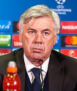 Ancelotti resterà a Napoli, ma sull'allenatore aziendalista bisogna fare un distinguo